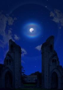 Glastonbury moon2