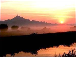 glastonbury sunrise:_n
