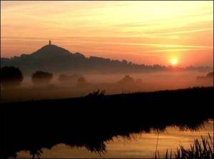 glastonbury sunrise:_n