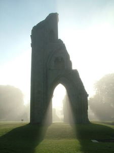 Glasto abbey:mist